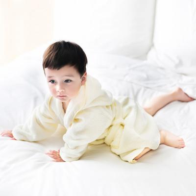 三利 有机棉全棉纯色儿童浴袍 A类安全标准婴幼儿用品 连帽系带式全棉洗澡浴衣 均码 绣花小熊-米白纯色