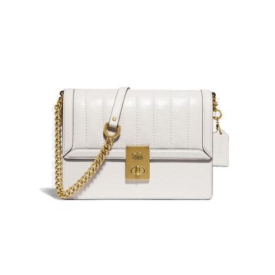 COACH/蔻馳包包女 夾棉HUTTON翻蓋郵差包單肩包斜挎包鏈條女包 優雅百搭時尚白色方包哈頓包 新款89066
