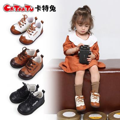 卡特兔2019春季新品兒童皮鞋復古1-3-5歲男女通用魔術貼學步鞋