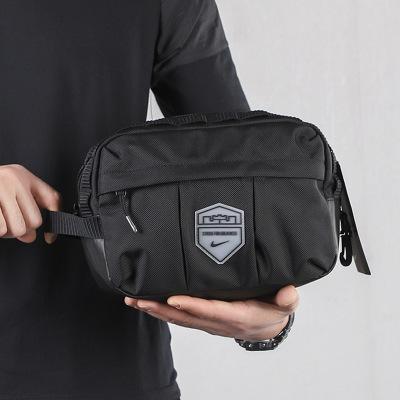 NIKE耐克男包女包2020春季新款休閑運動包收納小手包拎包 BA6122-010/主圖款/約27*12*18cm 均碼