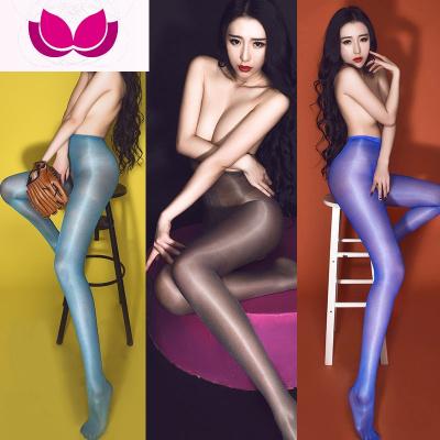 七斕抹胸油光15D腳尖透明情趣油亮絲襪裸氨超薄包芯絲連褲高腰開襠襪