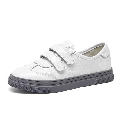 马克华菲女士板鞋2018年夏季新款平底魔术贴运动休闲单鞋女鞋